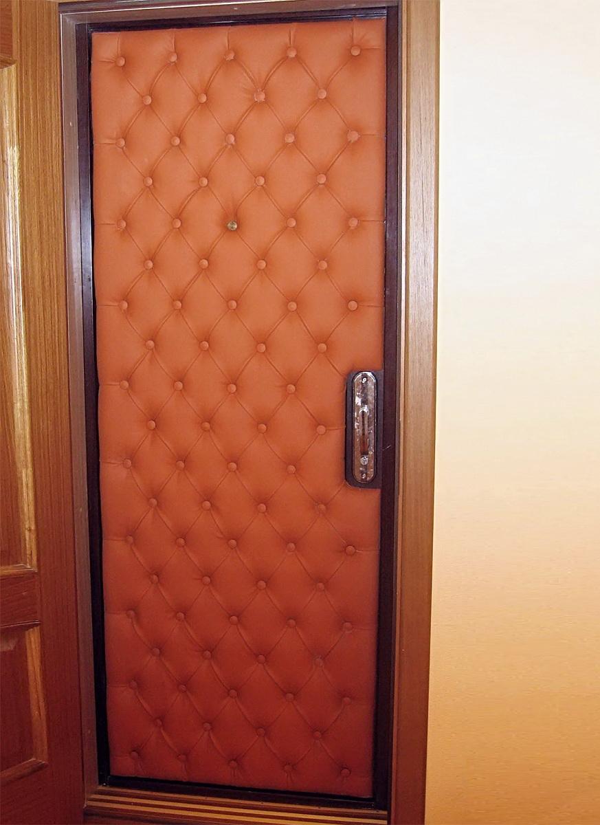 Как самостоятельно утеплить железную дверь