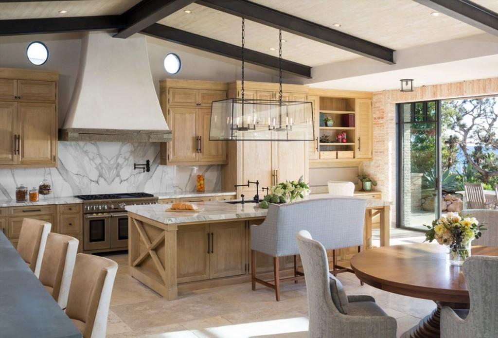 Две кухни