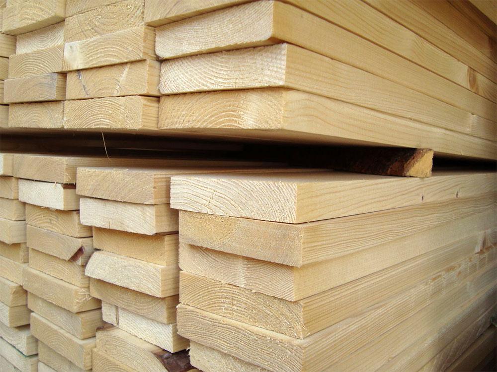 Преимущества пиломатериала в сфере строительства